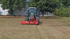 Grünflächenpflege mit dem Grünbrachemulcher